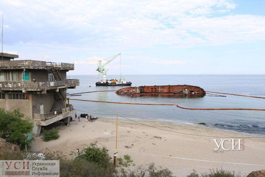 Компания «Краншип» сможет убрать Delfi с пляжа только в сентябре: будет 2 этапа работ «фото»
