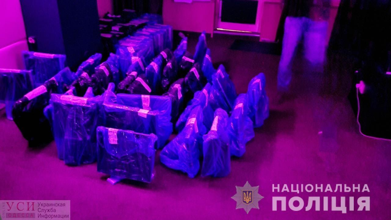 «Скажи пароль»: в Приморском районе накрыли подпольное казино (фото, видео) «фото»