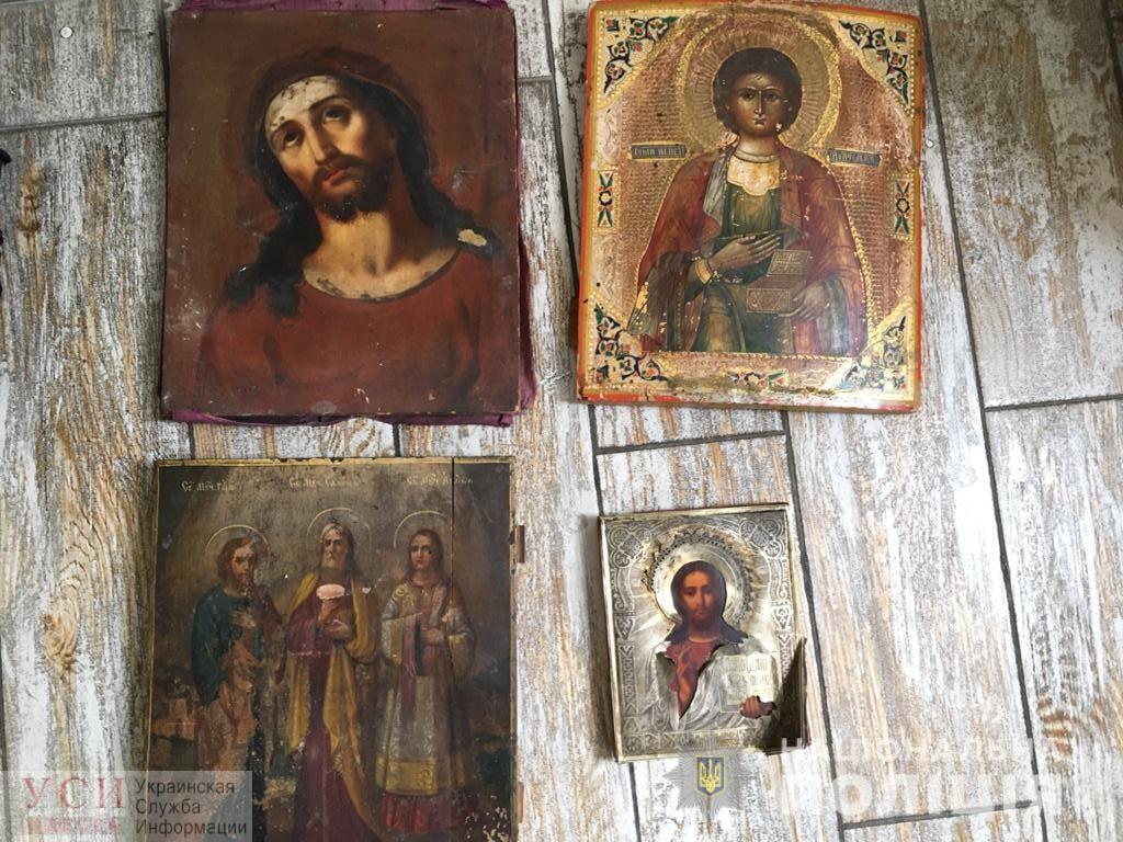 В Одессе мужчину связали и избили, чтобы украсть иконы и деньги (фото, видео) «фото»