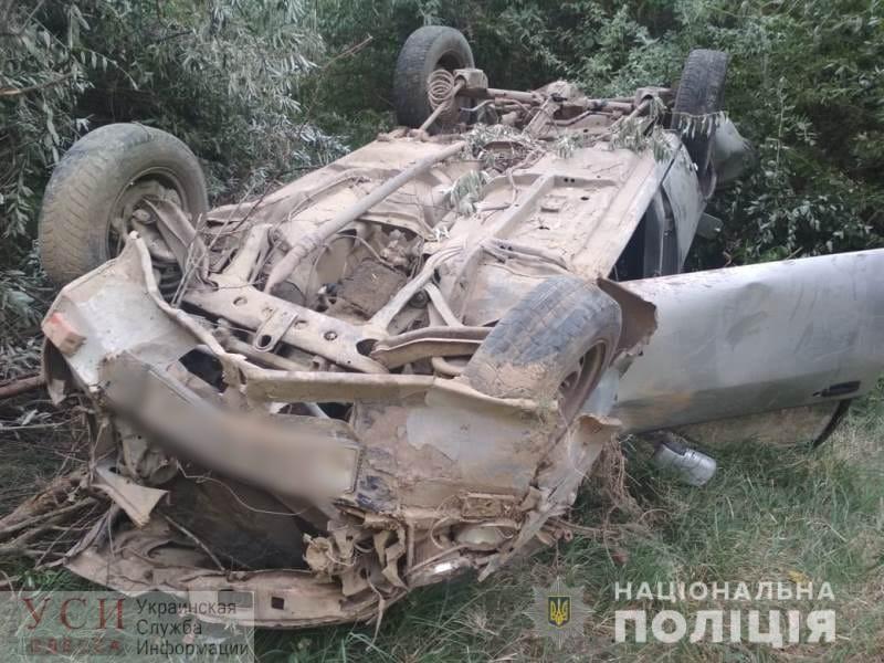 На берегу озера Ялпуг опрокинулась машина: двое пострадавших «фото»