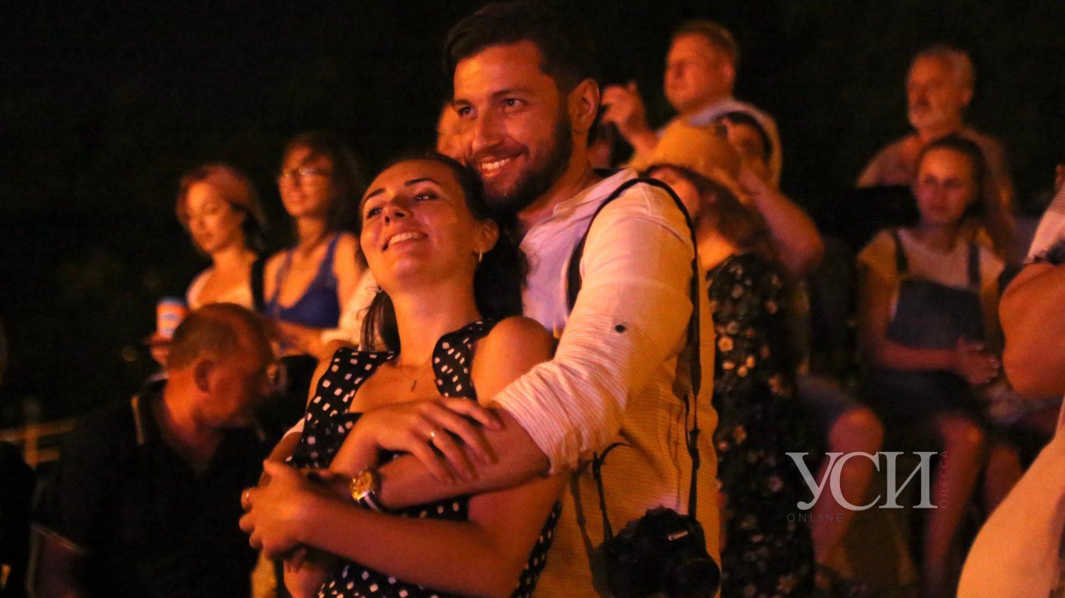 Open air: на Потемкинской лестнице одесситы наслаждаются классикой (фоторепортаж, видео) «фото»