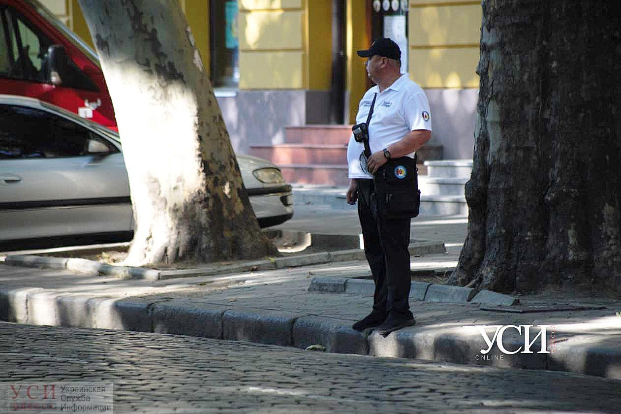 «А можно абонемент?»: в Одессе выписывают штрафы за парковку на Пушкинской, и хотят сделать то же на Ришельевской «фото»