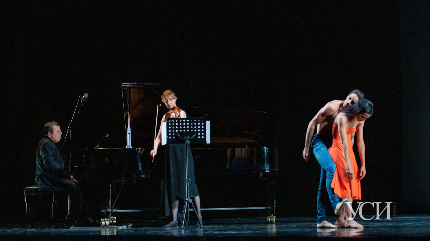 Музыка, красота и дистанция: в Оперном театре открылся фестиваль Odessa Classics-2020 (фоторепортаж) «фото»