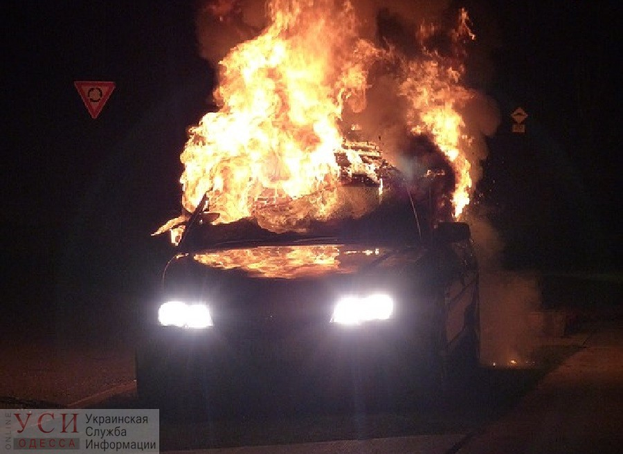 Ночью на проспекте Небесной сотни сгорела машина «фото»