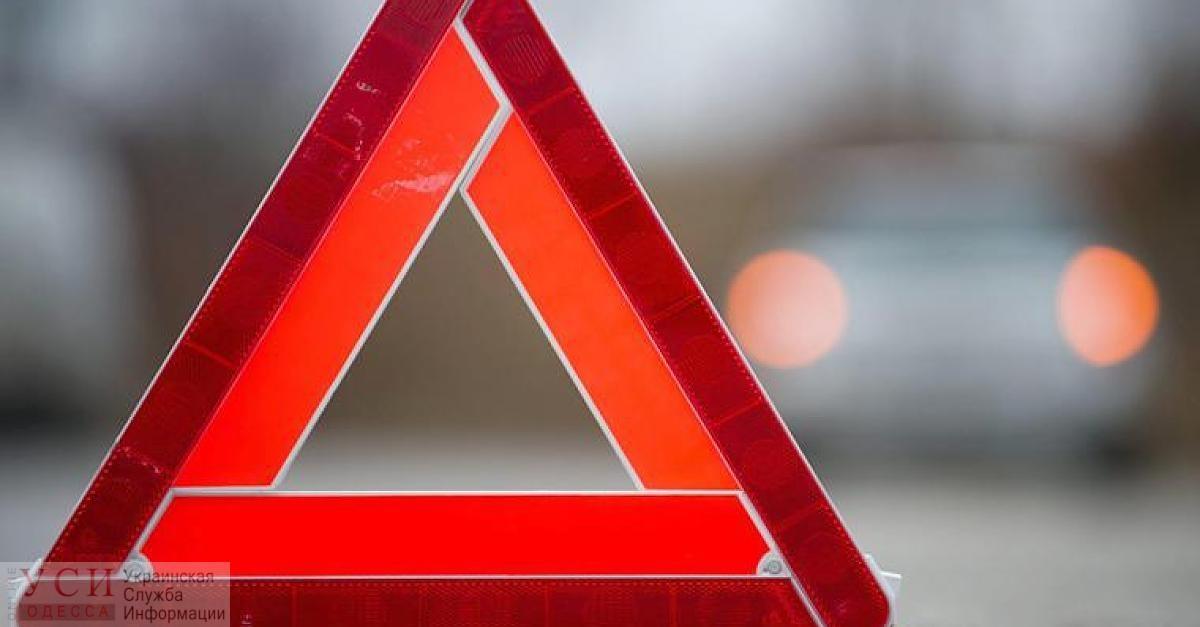 Водитель легковушки врезался в трамвай: пострадал ребенок «фото»
