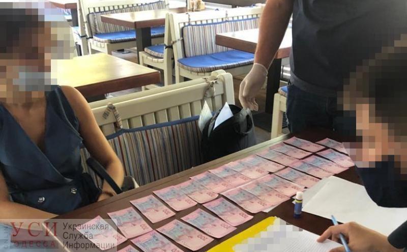 Разрешение на строительство автозаправки оценили в 2,5 тысячи «баксов»: полиция задержала чиновницу (фото) «фото»