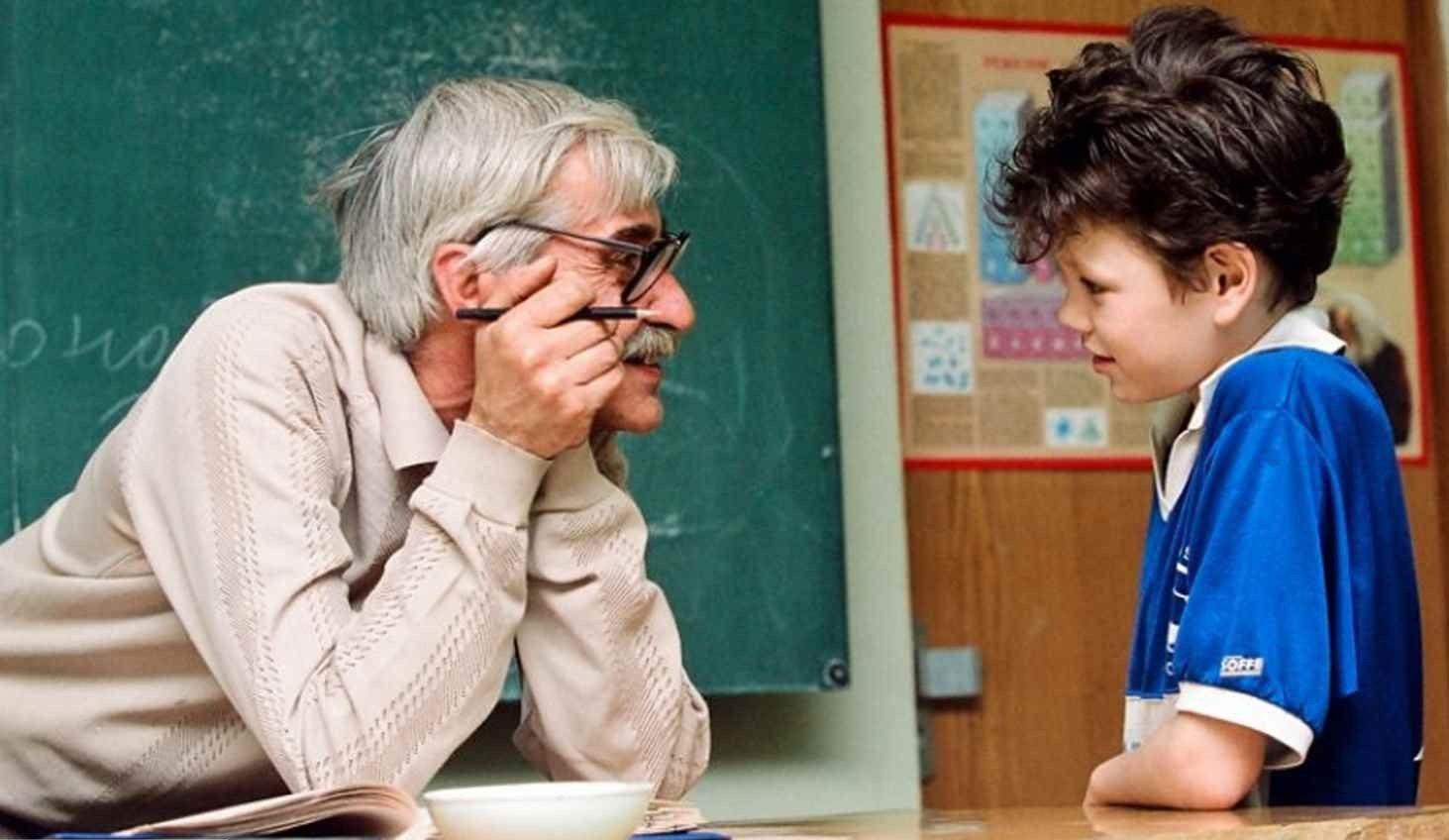 На случай коронавируса: учителей-пенсионеров и детей хотят страховать «фото»