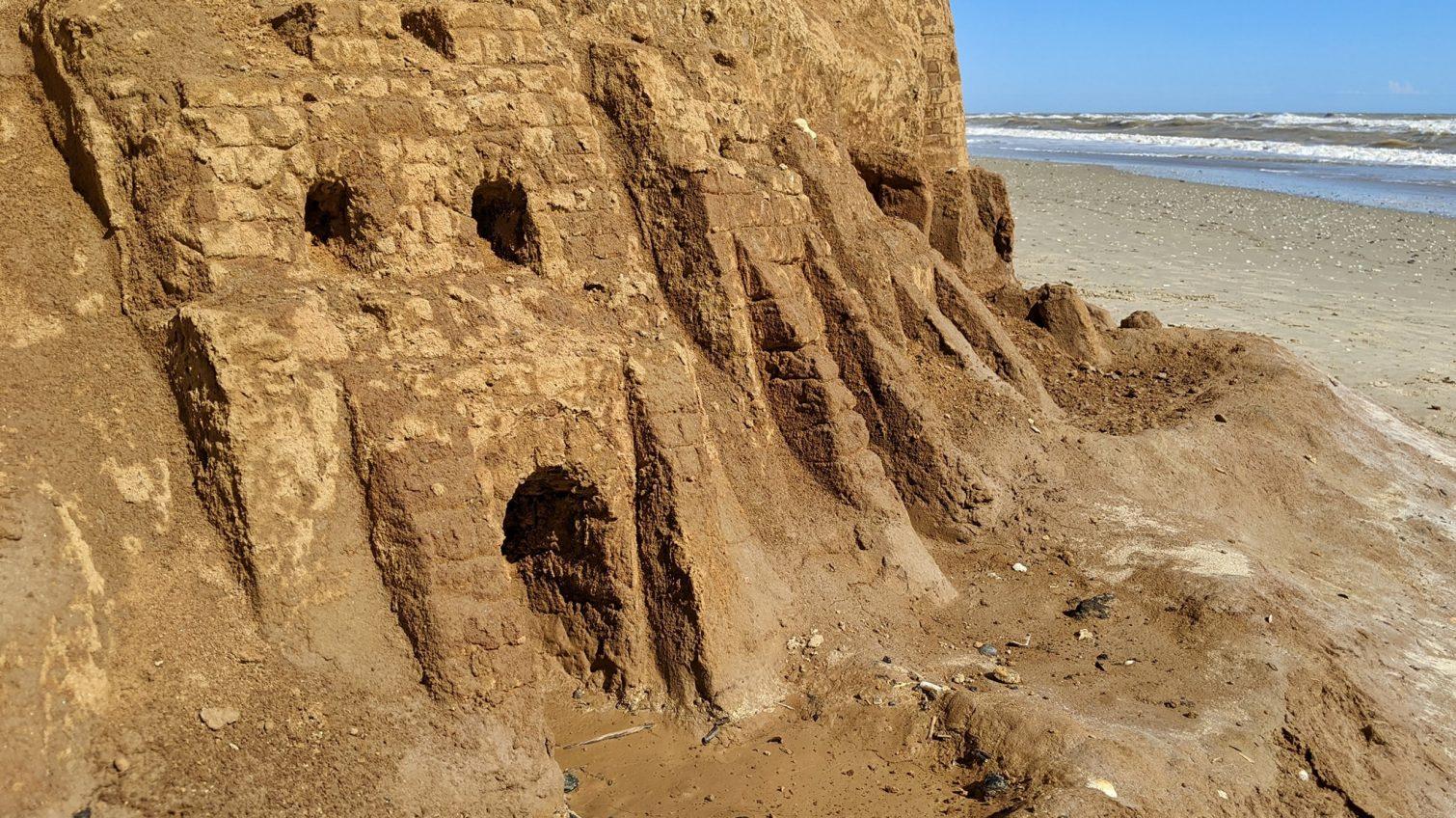 В Лебедевке туристы создают замки на склонах (фото) «фото»