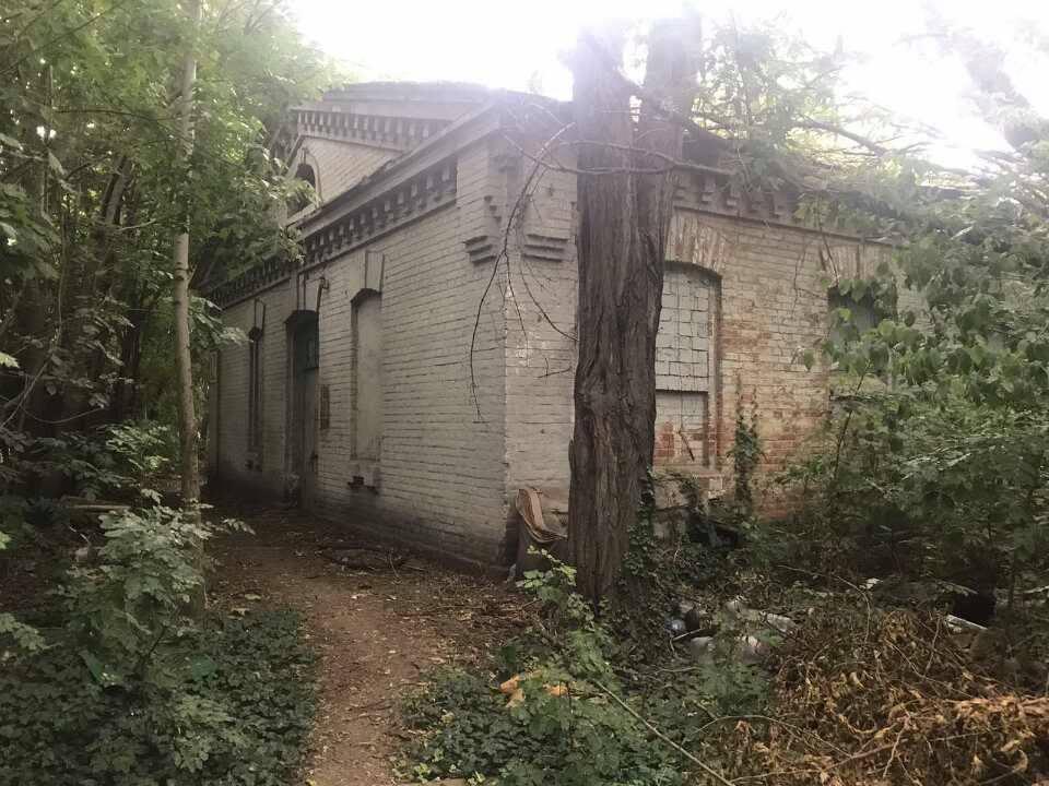 В Одессе имущество военного городка чуть не продали на аукционе за долги «фото»