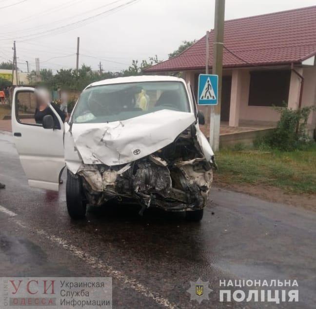 Шесть пострадавших, из них — двое детей: в Овидиополе «бус» столкнулся с легковушкой (фото) «фото»