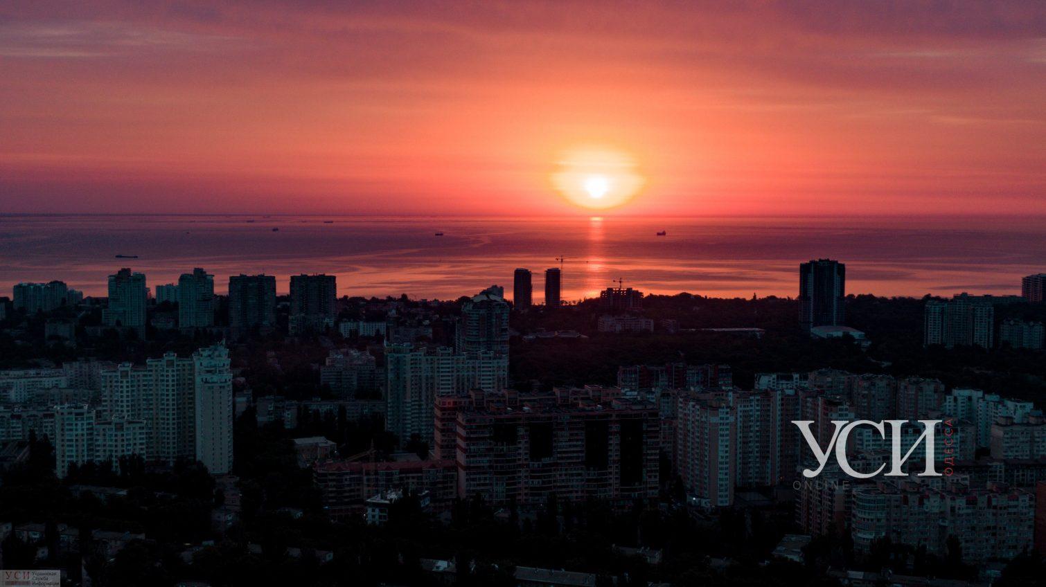 Доброе утро, Одесса: фантастический рассвет с высоты птичьего полета (аэросъемка) «фото»