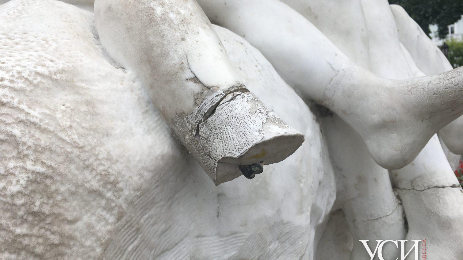 Без рук, без ног: как выглядят одесские памятники, пострадавшие от вандалов (фоторепортаж) «фото»