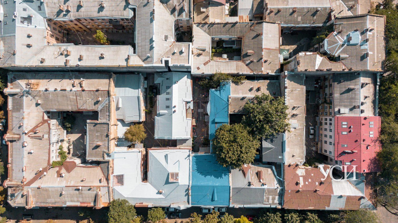 Квадратный уют: как выглядят дворы центра Одессы с высоты птичьего полета (фоторепортаж, аэросъемка) «фото»