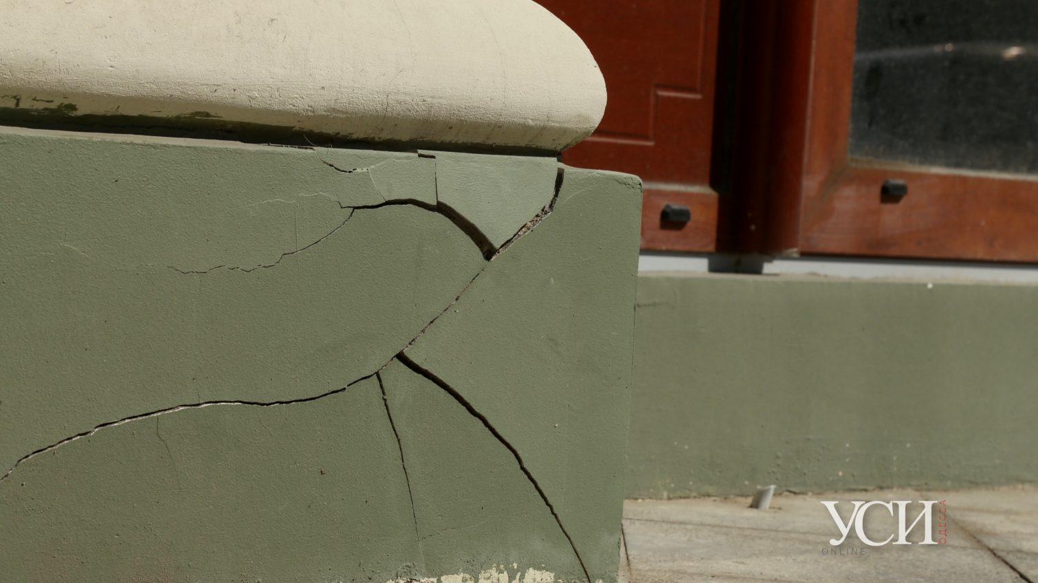 Трещин на доме Руссова становится все больше (фото) «фото»