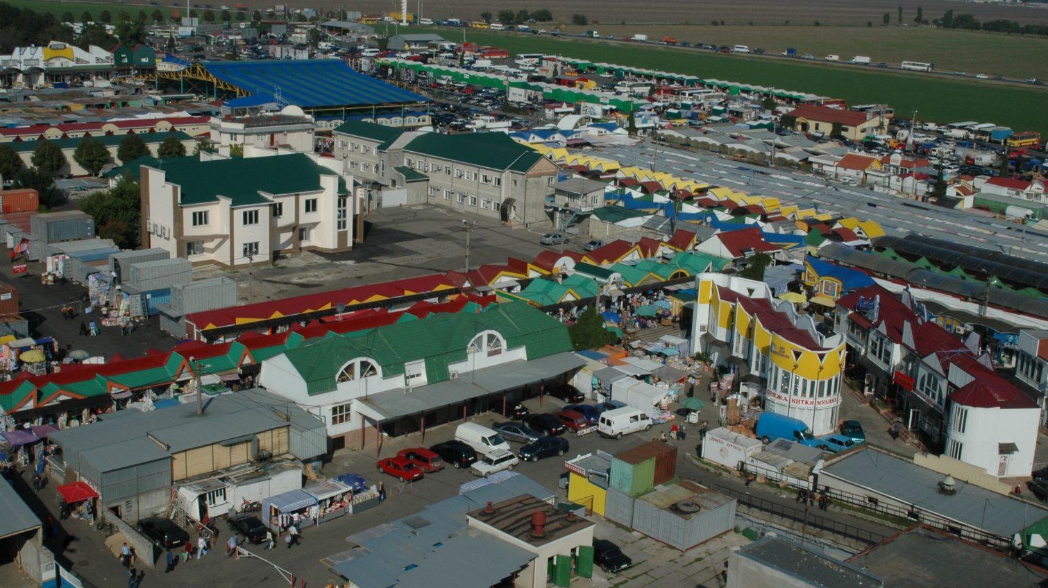 Предприниматели «7 километра» боятся закрытия, а руководство рынка говорит, что речь идет о ремонте «фото»