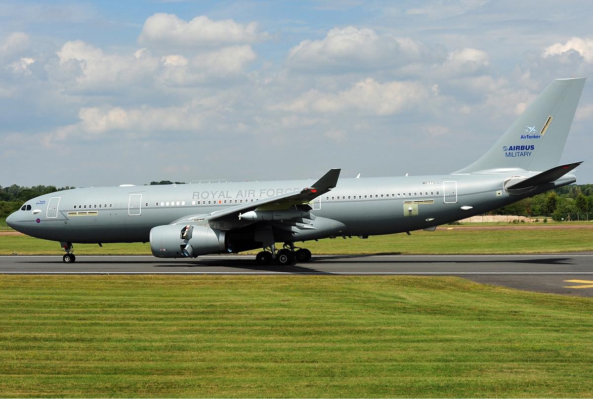 Над Затокой кружил военный самолет-заправщик ВВС Великобритании «фото»
