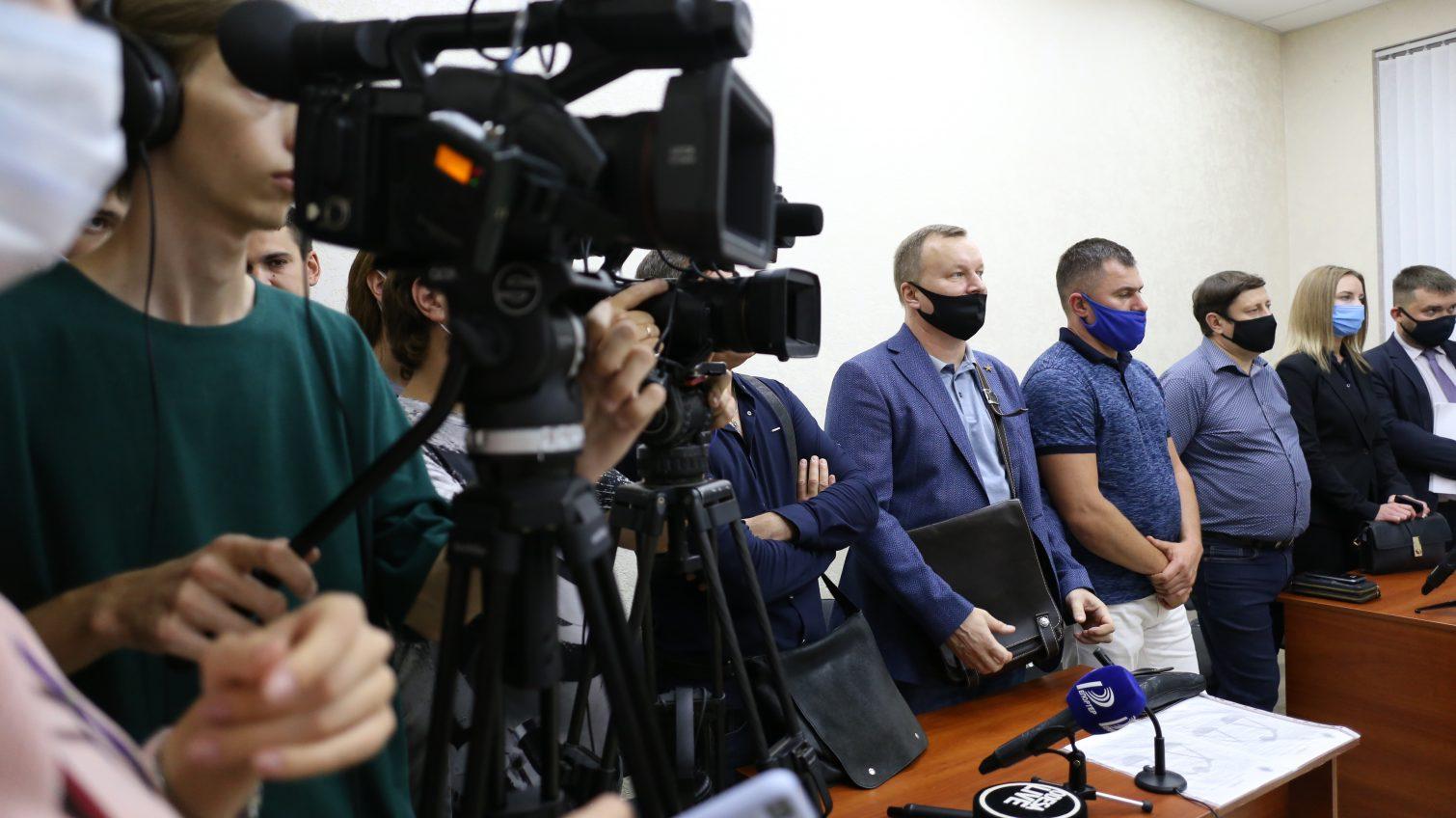 Общественники через суд пытались отменить регистрацию Труханова на пост мэра: уверены, что он до сих пор гражданин РФ «фото»