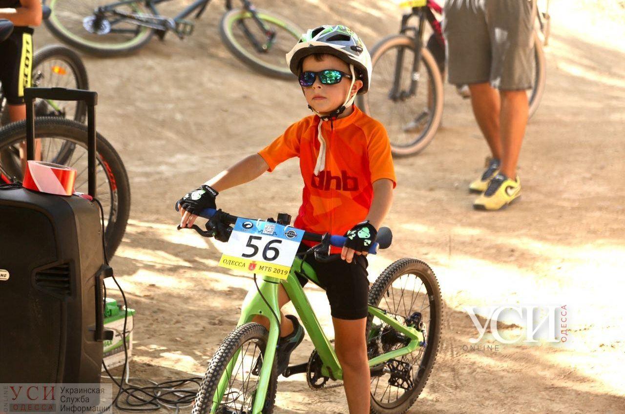 На Трассе здоровья ко Дню города прошла открытая тренировка по велоспорту для детей (фото, видео) «фото»