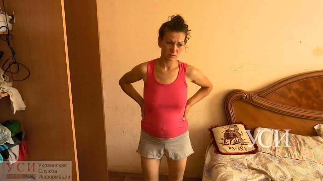 «Я оставила ребенка со знакомой и уехала на работу»: мама спасенного полицией мальчика рассказала, почему ее не было дома (ОСТОРОЖНО фото, видео) «фото»