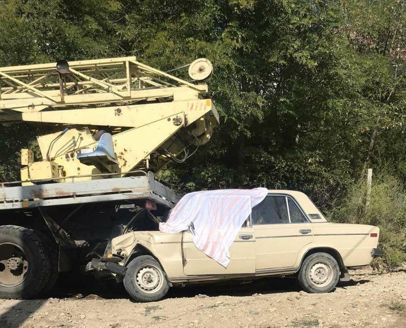 Смертельное ДТП: водитель легковушки потерял сознание и машина врезалась в автовышку «фото»