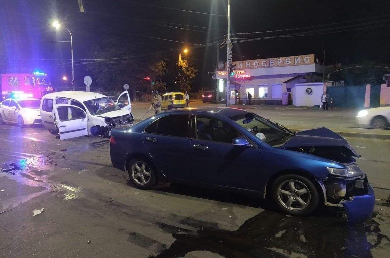 На Рихтера крупное ДТП: пострадали 3 человека «фото»