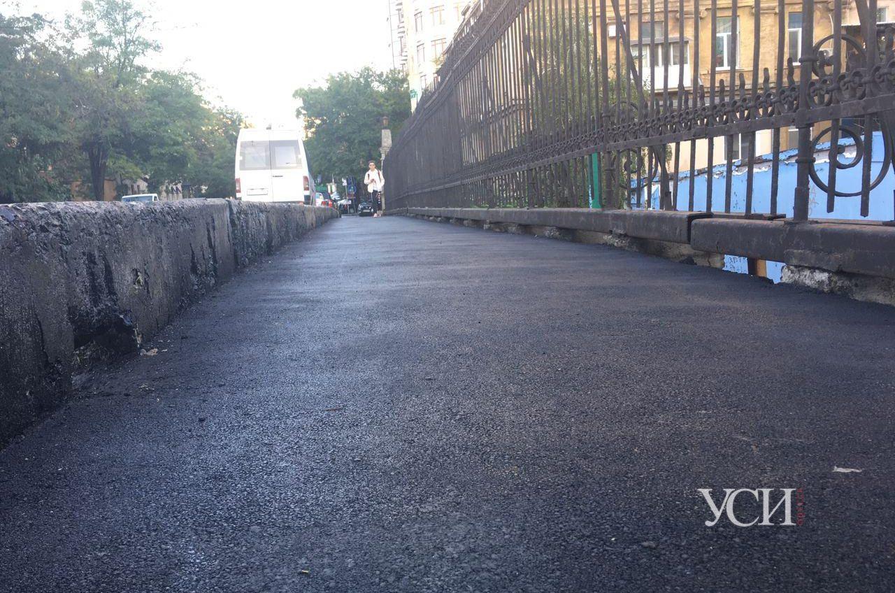 Покрытие Строгановского моста отремонтировали после публикации УСИ (фото) «фото»