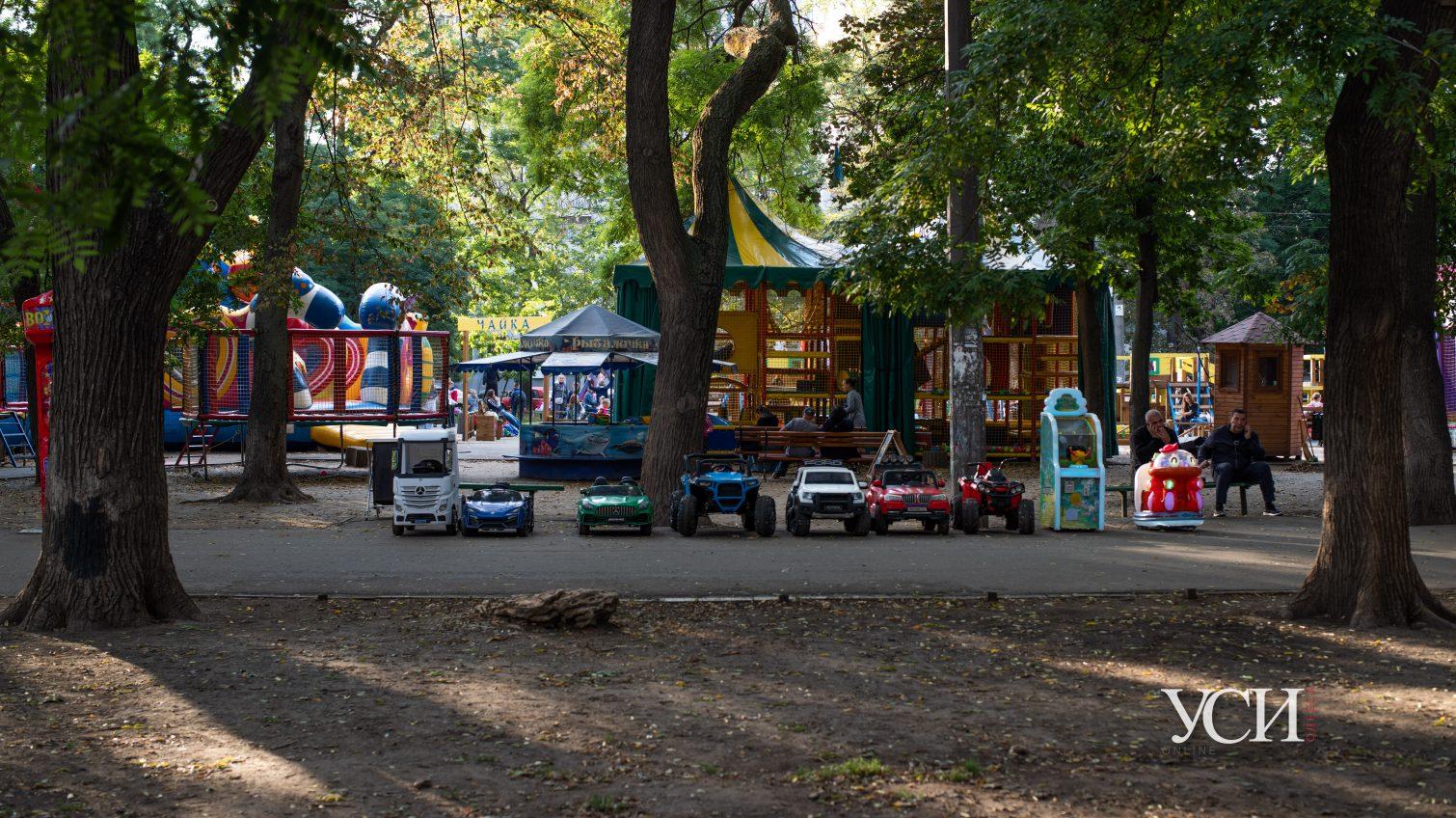 Старобазарный сквер: место в центре Одессы, ждущее лучших времен (фоторепортаж) «фото»