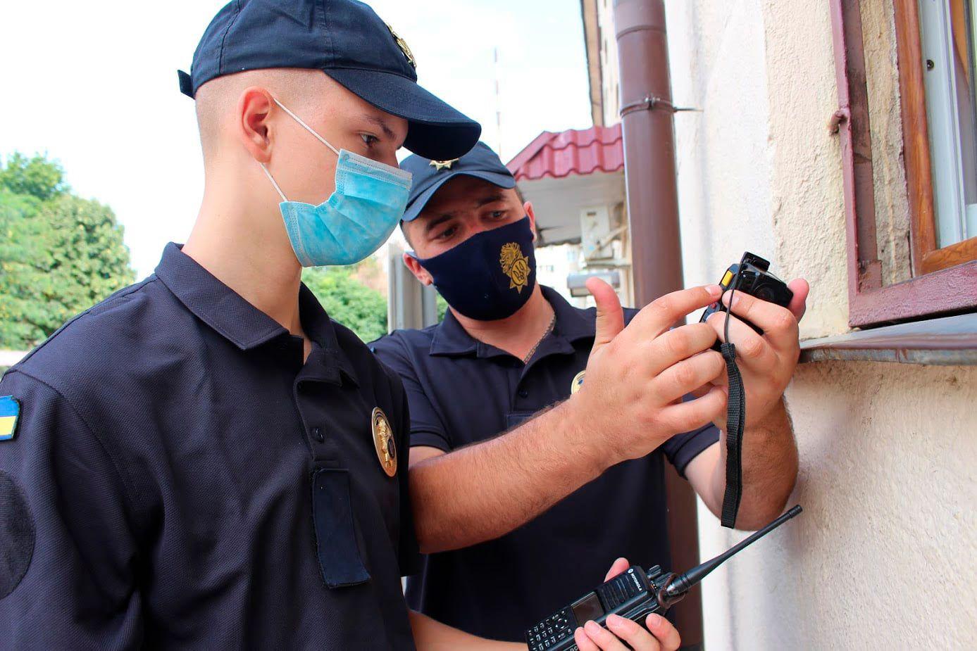 Вниманию одесситов: в городе орудуют псевдо- нацгвардейцы «фото»