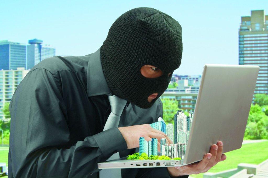 Госрегистратор незаконно сменил информацию в реестре, «отобрав» у одессита дом и участок за 12 млн грн «фото»