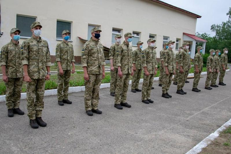 В Одесской области планируют призвать в армию более 700 новобранцев «фото»