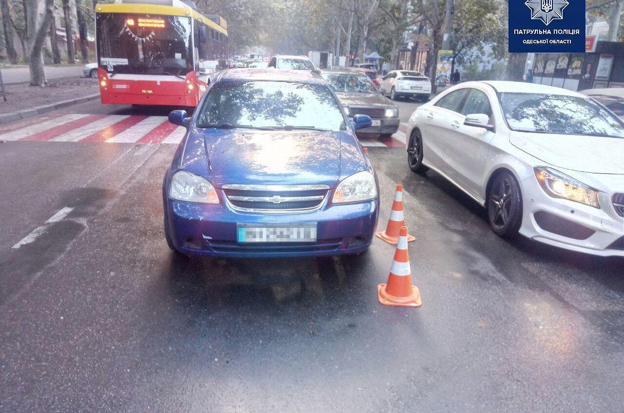 За утро в Одессе произошло два наезда на женщин-пешеходов (фото) «фото»