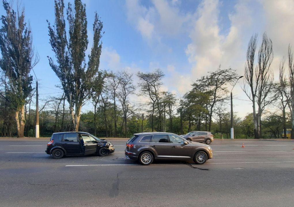 Авария на Николаевской дороге: пострадали женщина и двухлетний ребенок (фото) «фото»