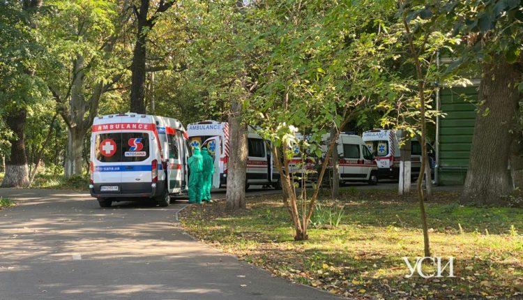 «Город закрыл прием больных», – одесский волонтер бьет тревогу, а мэрия опровергает «фото»