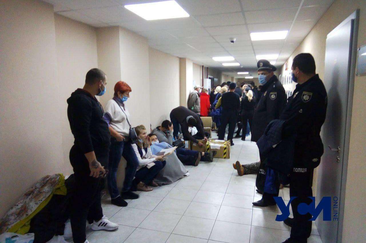 В коридоре Одесской горТИК два человека потеряли сознание 📷 «фото»