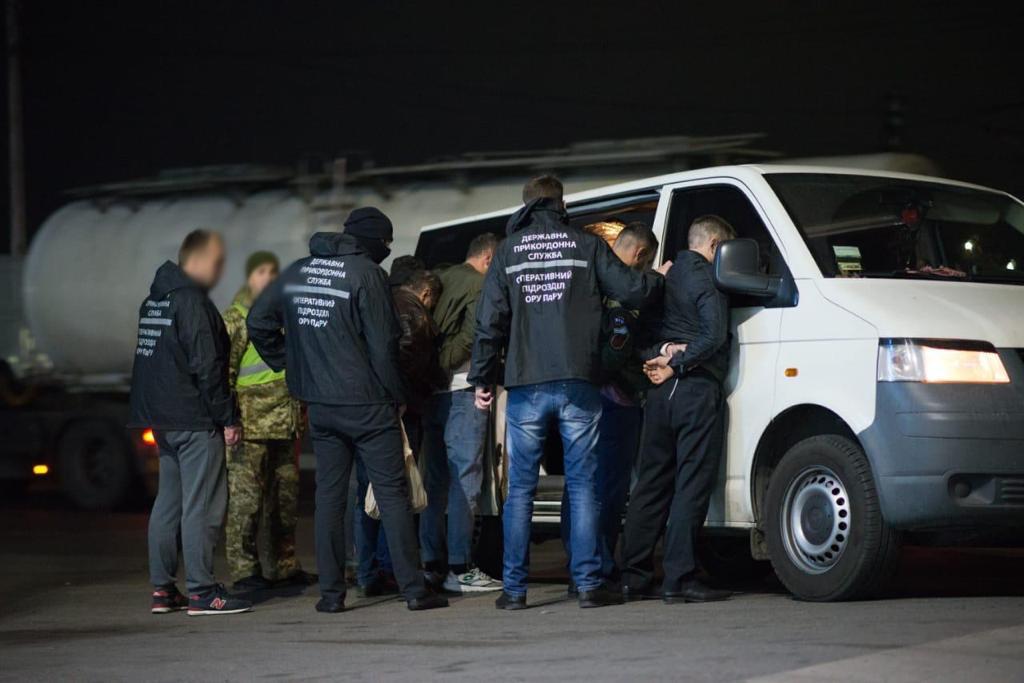 Одесский суд приговорил иностранца к 7,5 лет тюрьмы за нелегальную миграцию (фото, видео) «фото»