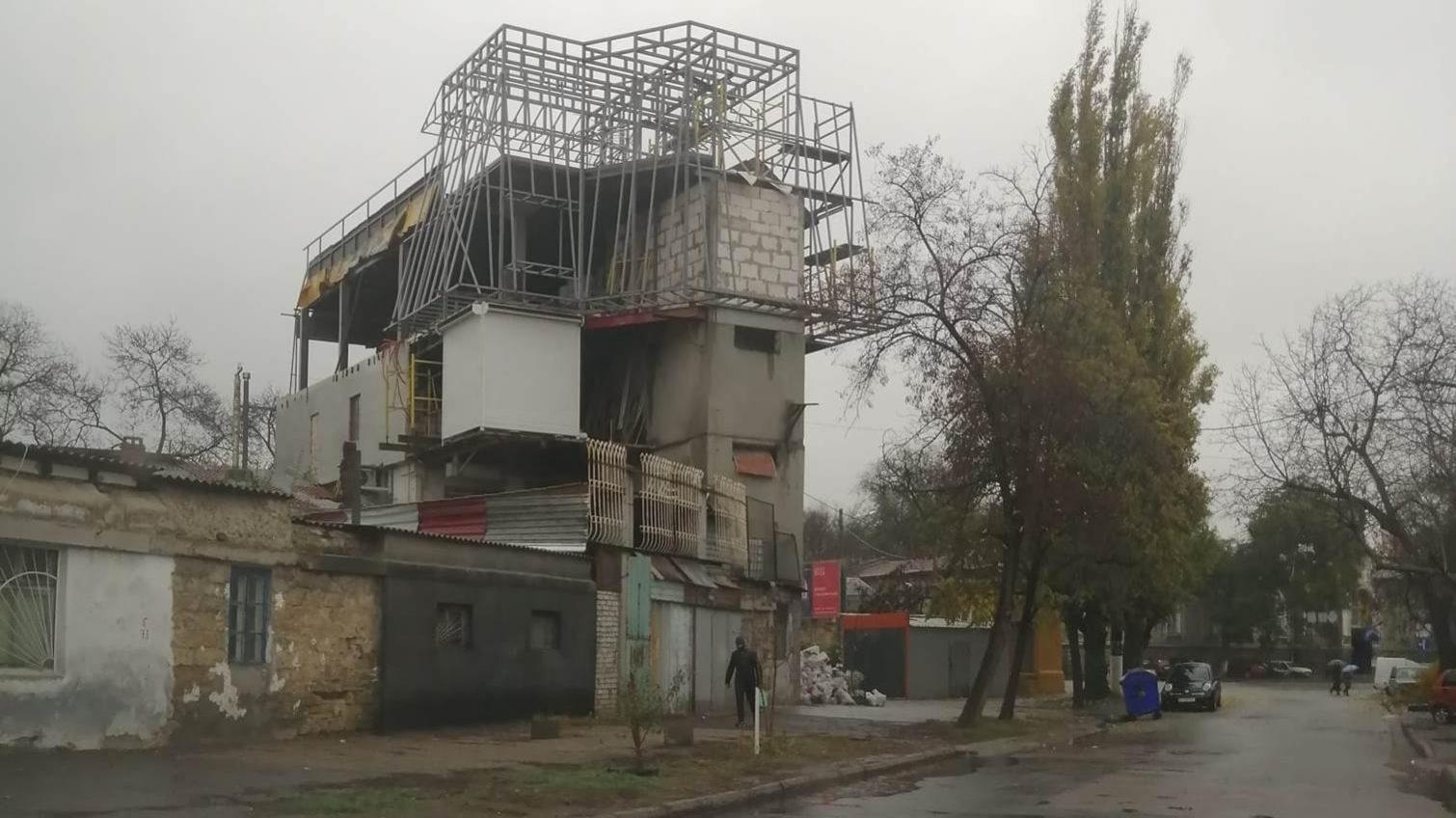 За «скворечник» на Молдаванке владелец заплатит всего 6800 гривен штрафа «фото»