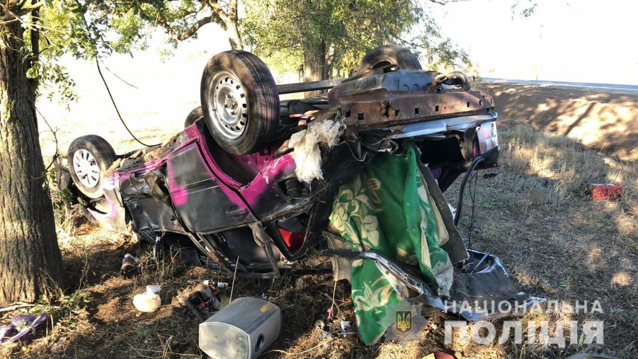 Смертельное ДТП в Саратском районе: водитель погиб, пассажир — в больнице «фото»
