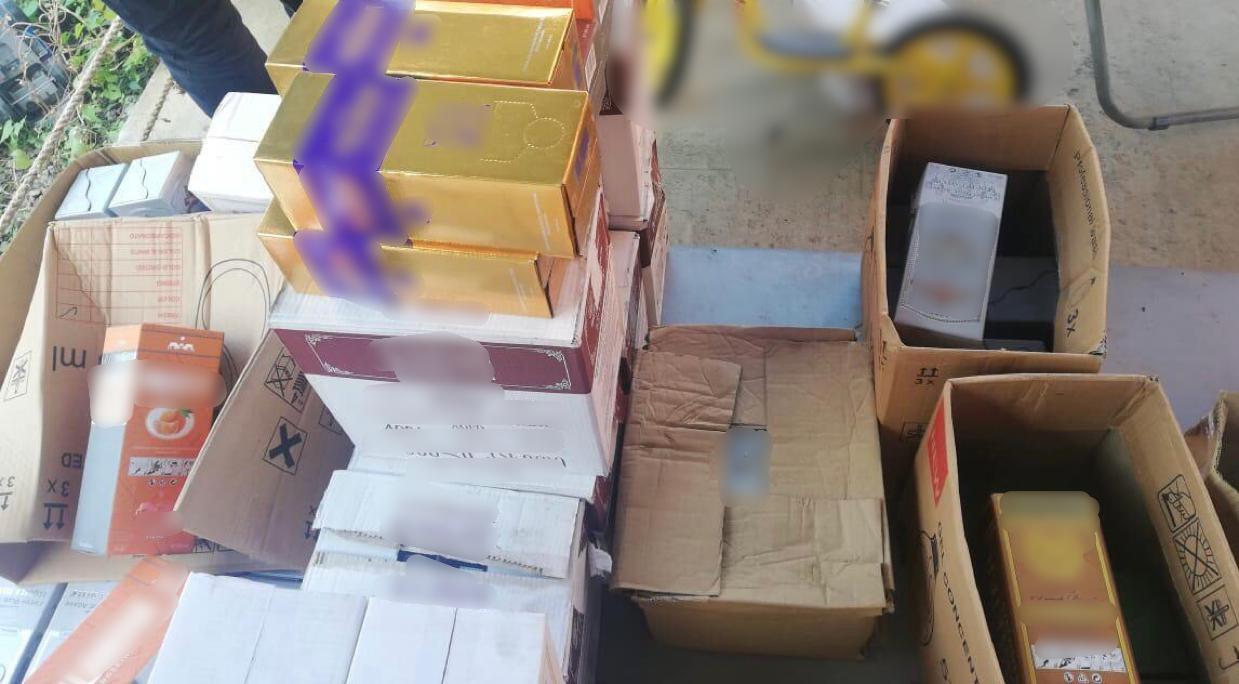 Одесситу «светит» 10 лет за торговлю «элитным» алкоголем и сигаретами (фото) «фото»