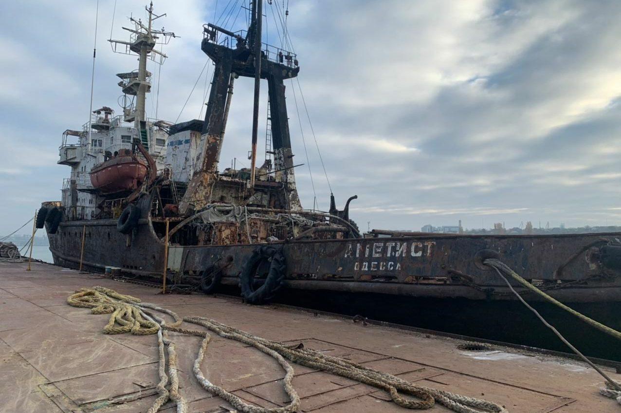 Тонет или нет: в АМПУ опровергают крушение судна под Черноморском «фото»