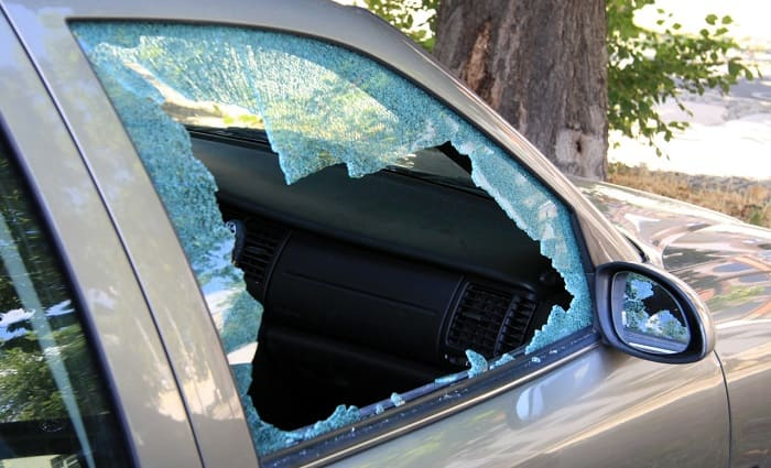 Машину одесского активиста разбили битами (видео) «фото»