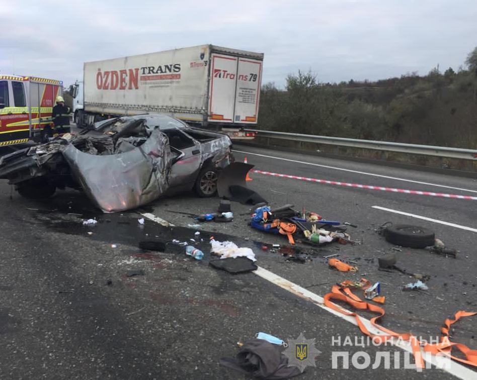 На трассе Одесса – Киев произошло трагическое ДТП (видео) «фото»