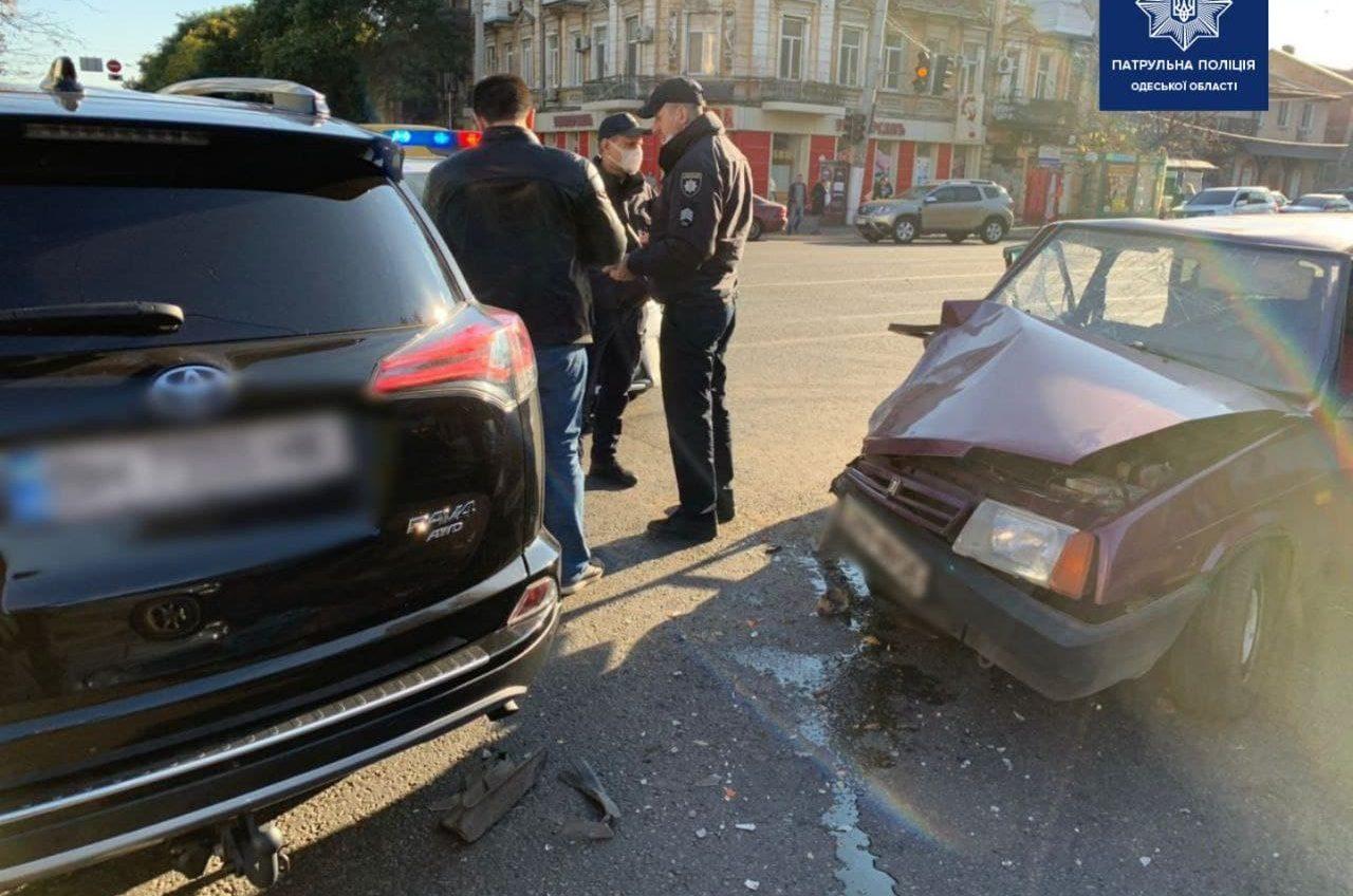Не пропустил: в ДТП на Мясоедовской пострадала женщина (фото) «фото»