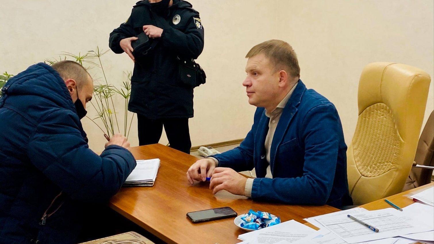 В кабинете нового мэра Белгорода-Днестровского нашли скрытые камеры (фото) «фото»