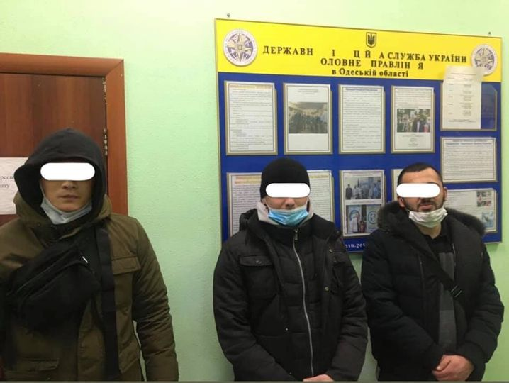 На рынке «7 километр» задержали четверых нелегалов «фото»