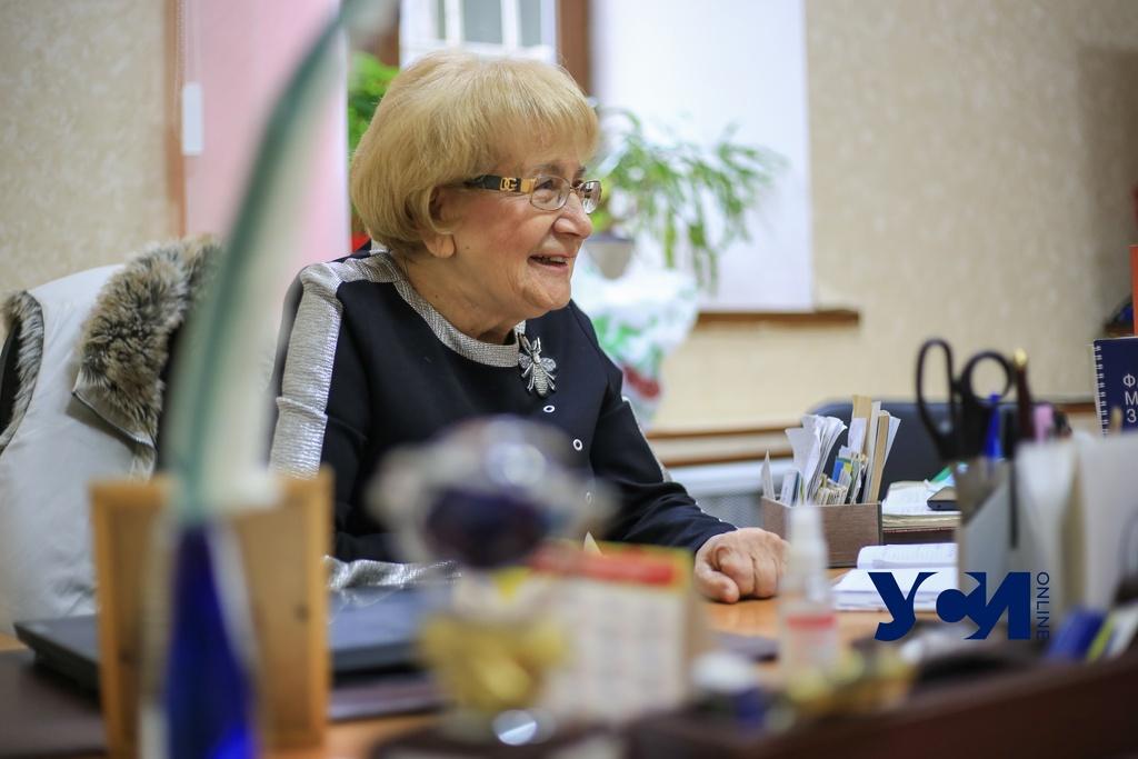 «Если хоть один день о вас не вспоминают в СМИ – вы пропали»: интервью с директором одесской научной библиотеки «фото»