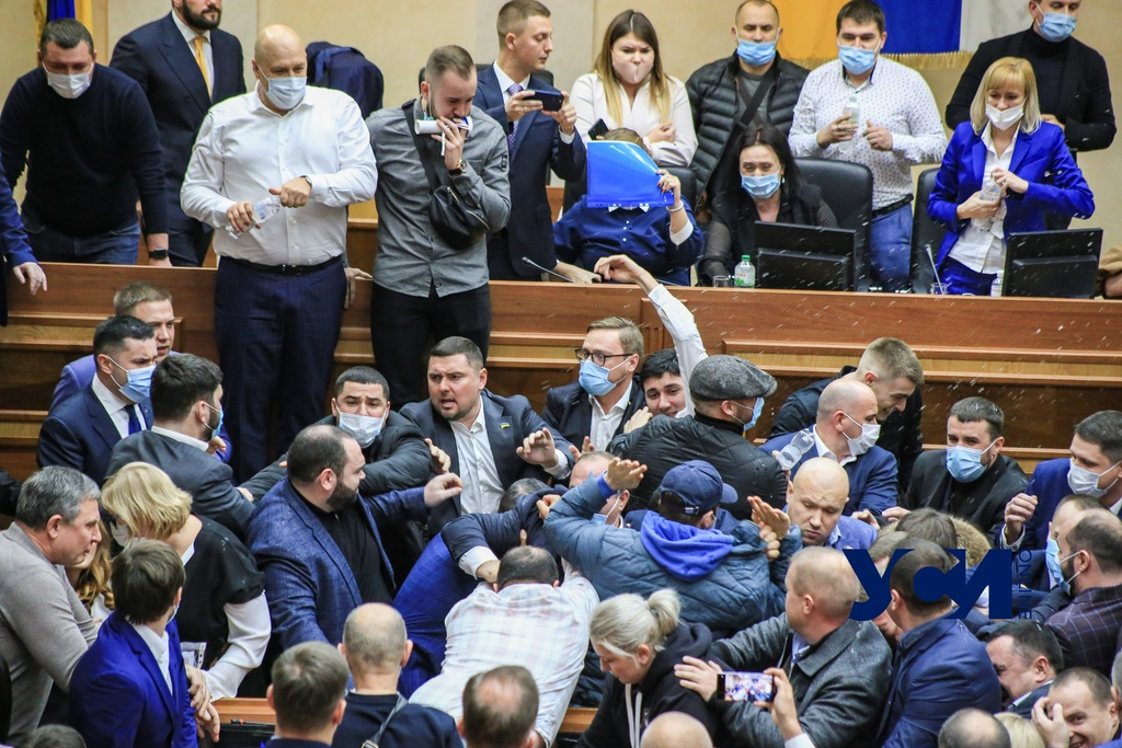 Бунт ОТГ, «новые старые» лица и выборы: политические итоги года в Одессе «фото»