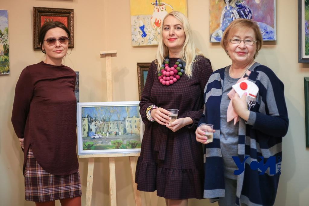 «Берегись, COVID! Закрасим!»: в Одессе открылась благотворительная выставка (фото, аудио) «фото»