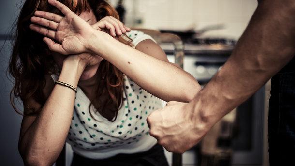 В Одесской области 63-летний мужчина избивал бывшую жену «фото»