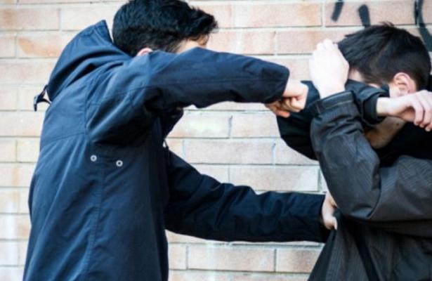 Общение двух юных одесситов в соцсети закончилось избиением в реале «фото»