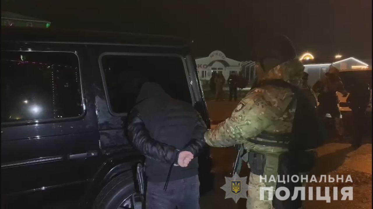 В Одессе задержали криминального «авторитета» с огнестрелом (фото, видео) «фото»